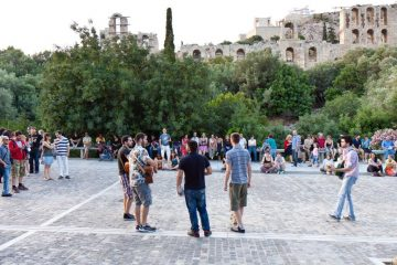 Ancient Athens for free - Musicians on Areopagitou street