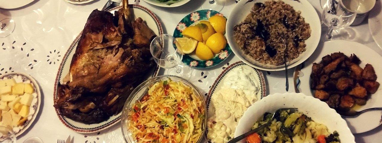 Food in Greece - a Greek meal - things you should know about Greece