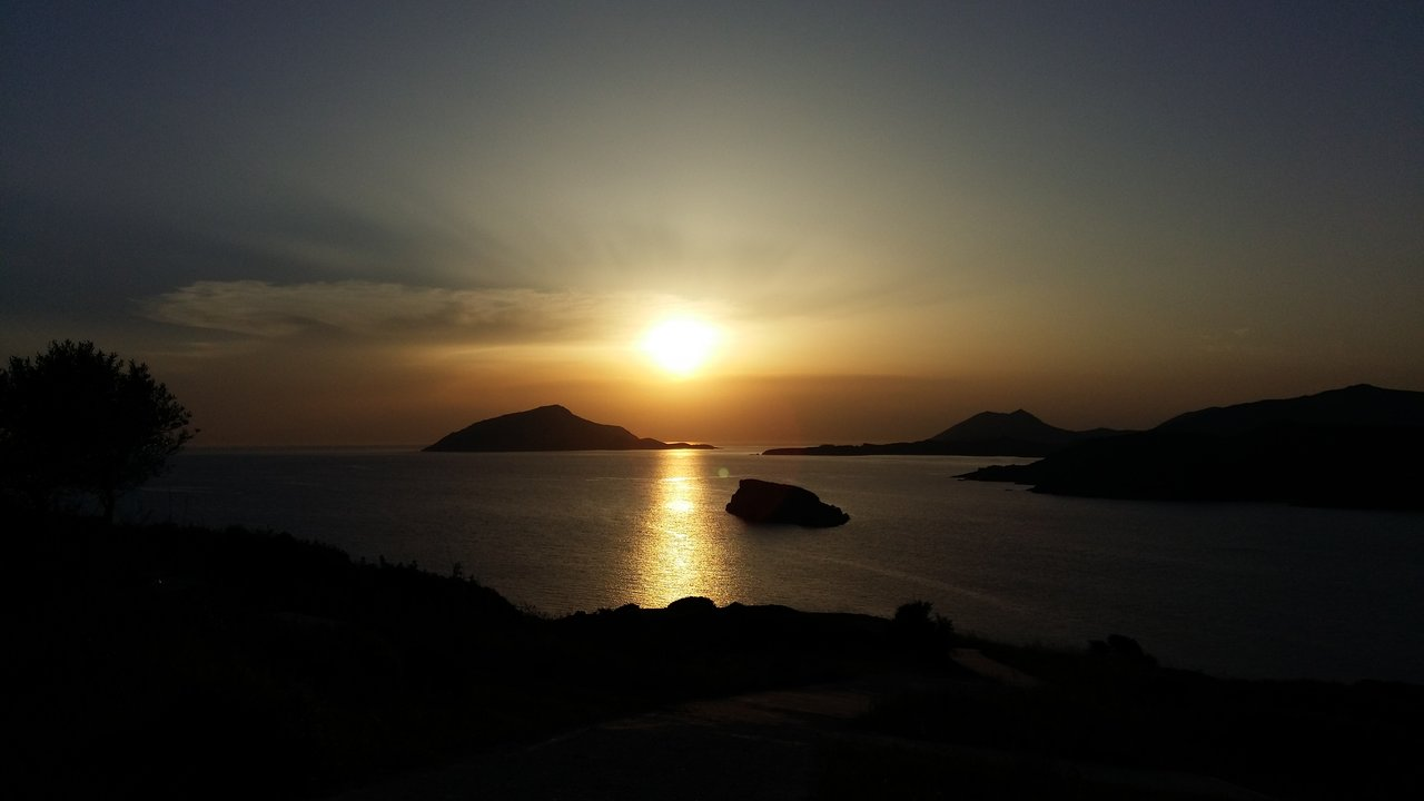 The sunset from the temple of Poseidon at Sounion