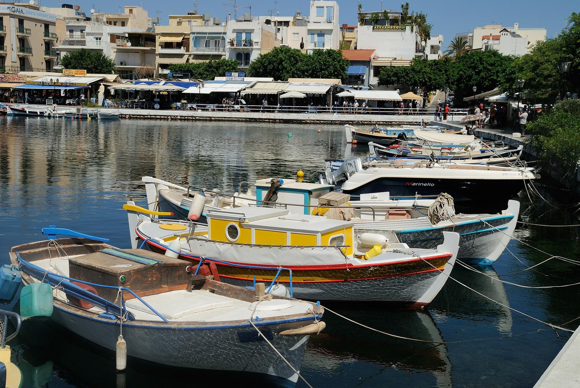Island hopping in Greece on a budget - Agios Nikolaos Crete