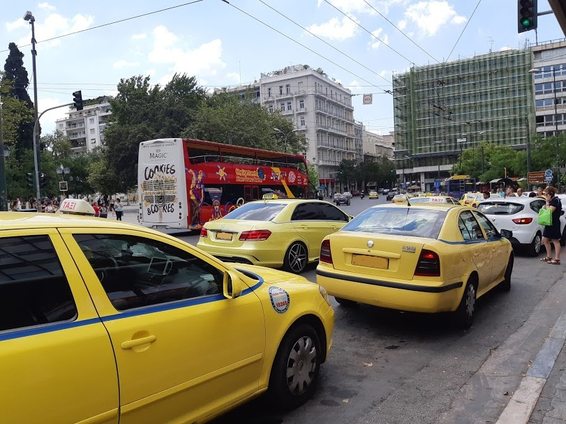 Driving in Greece - Athens traffic