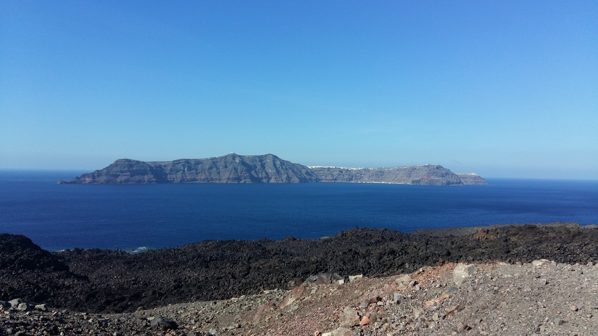 How many days in Santorini - The volcano in Santorini
