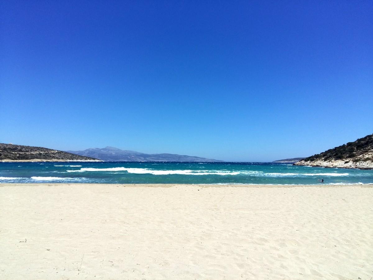 Travel guide for Schinoussa and Iraklia - Livadi beach Iraklia
