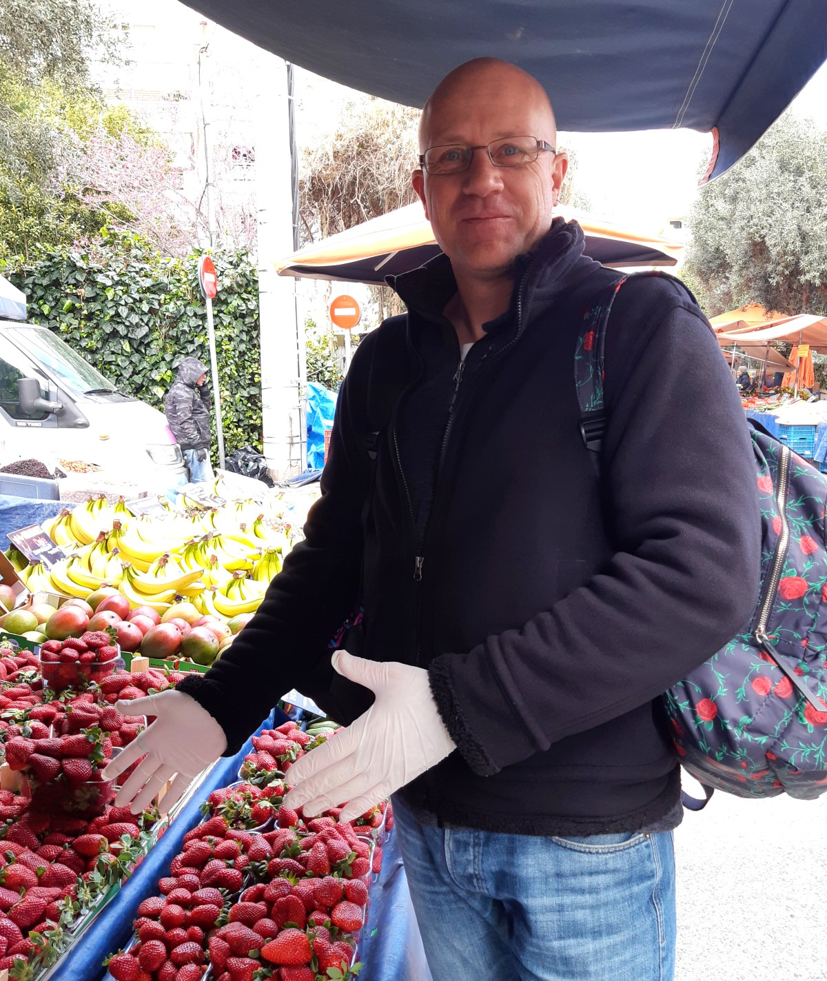 Coronavirus in Greece - Street market