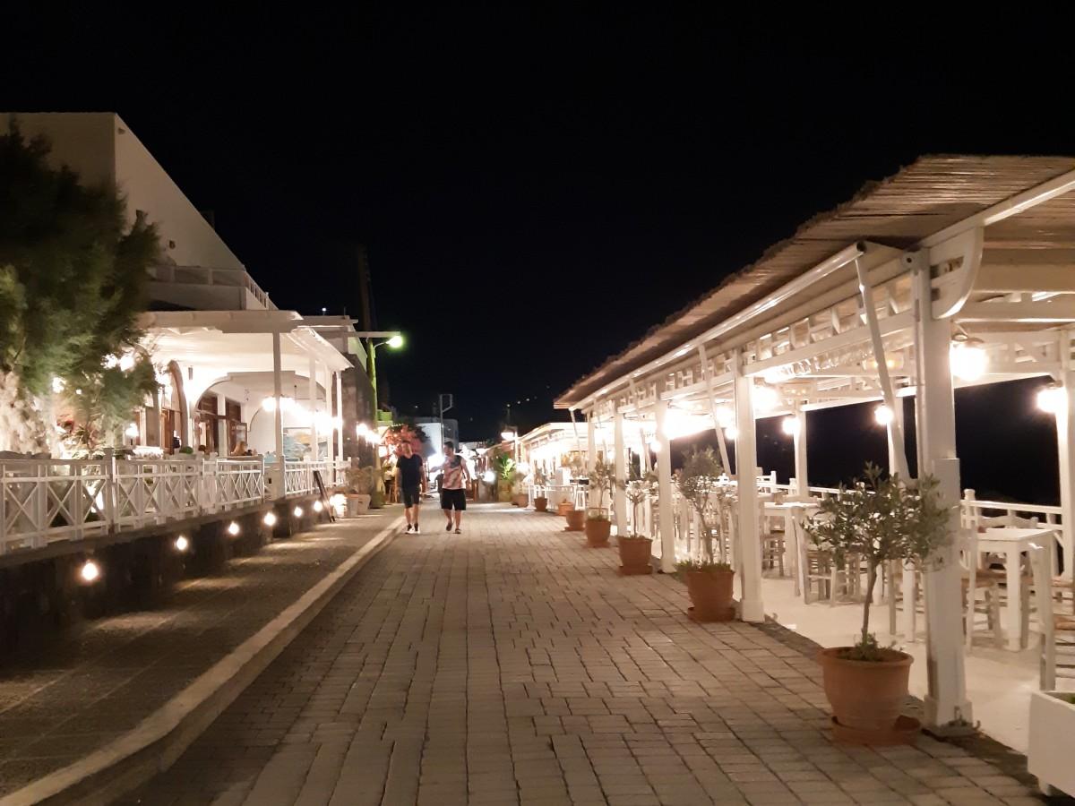 Promenade in Kamari Santorini