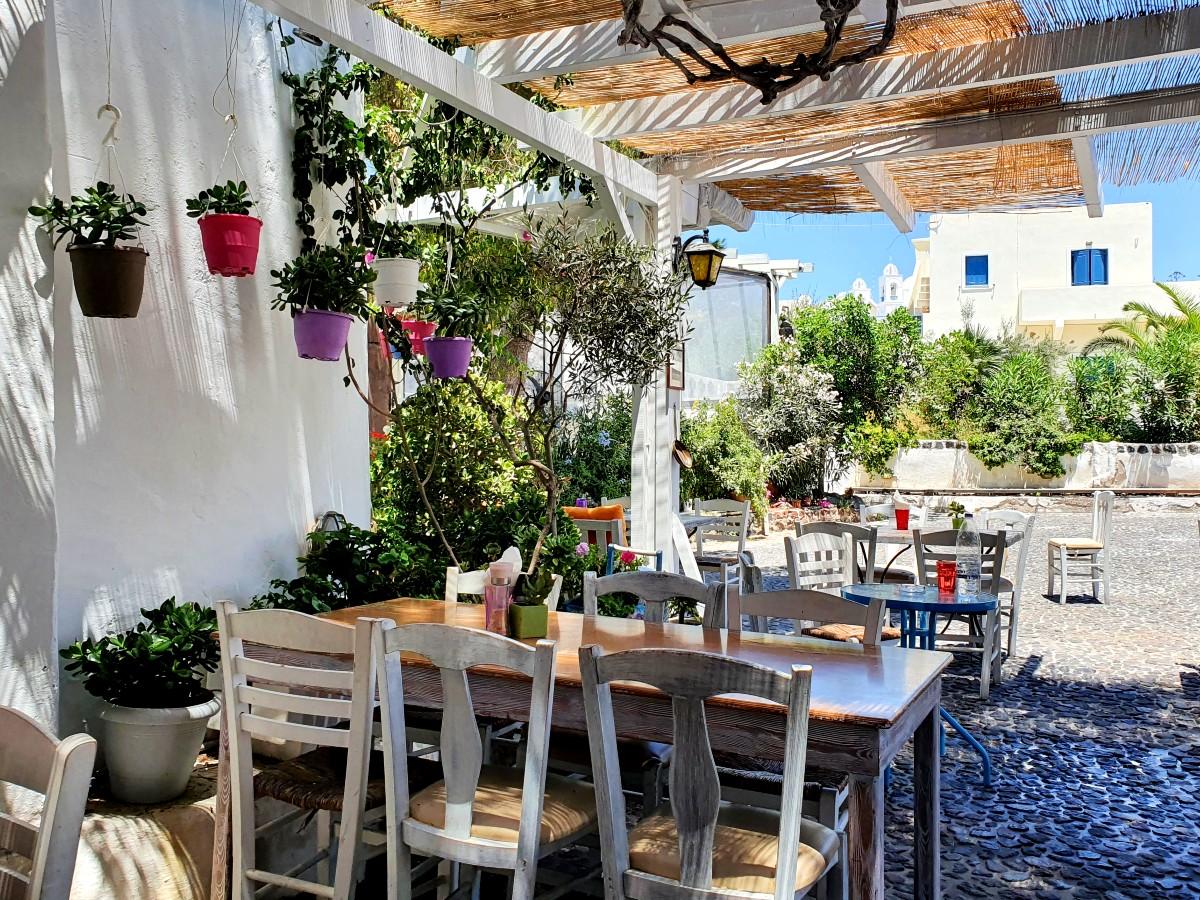 Restaurants in Greece April 2021