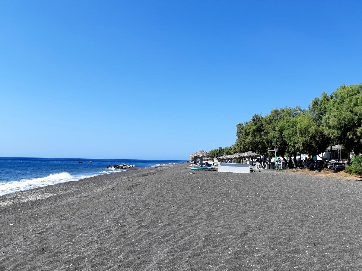 The famous Perissa beach in Santorini