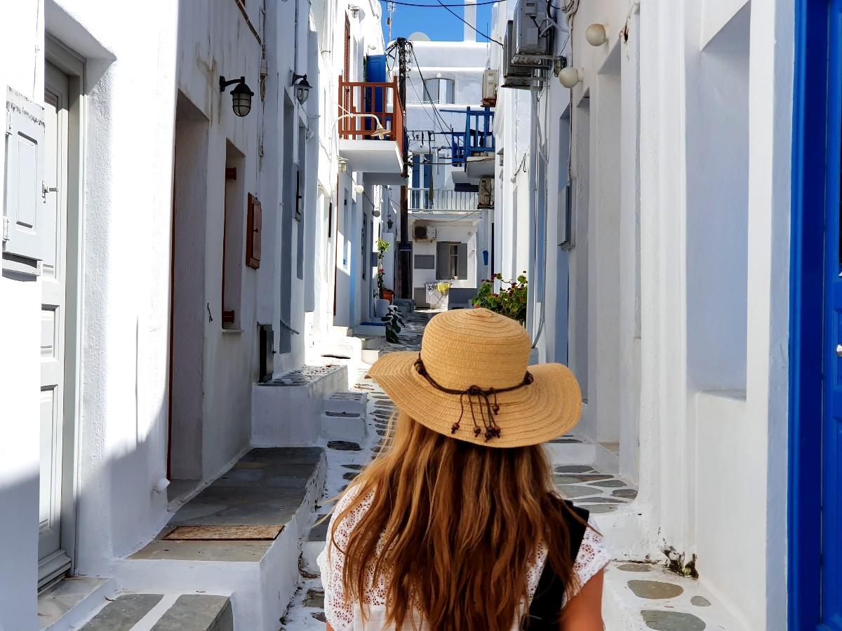 Walking around Chora Mykonos