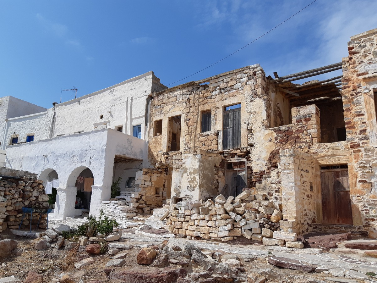 The Castle is among the reasons to visit Kimolos in Greece