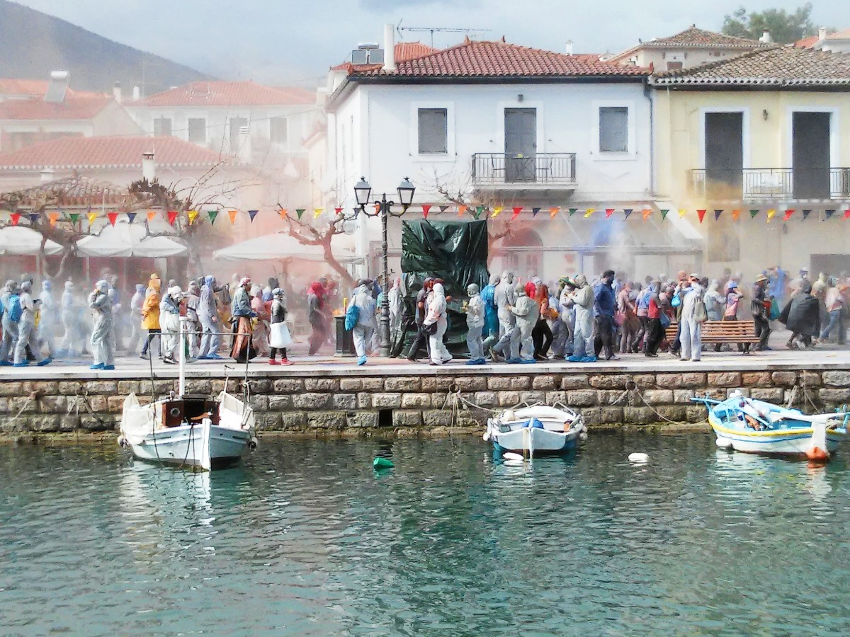 Clean Monday celebrations in Galaxidi