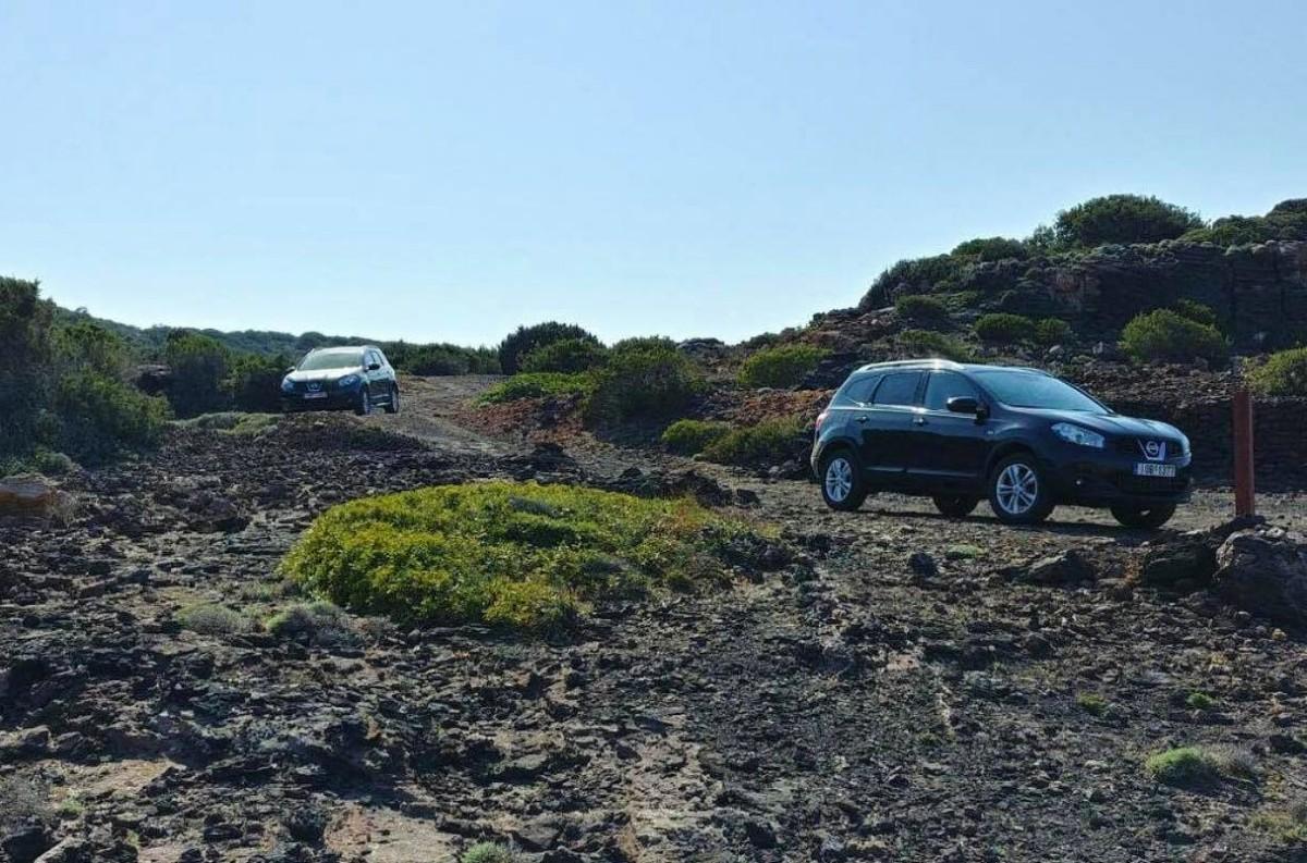 Explore Milos Greece in a 4WD