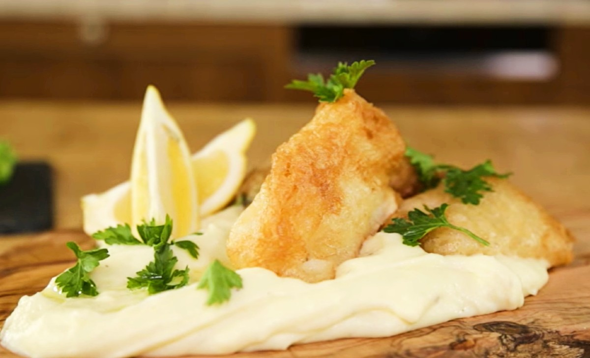 Greek Independence Day - Deep-fried cod with skordalia