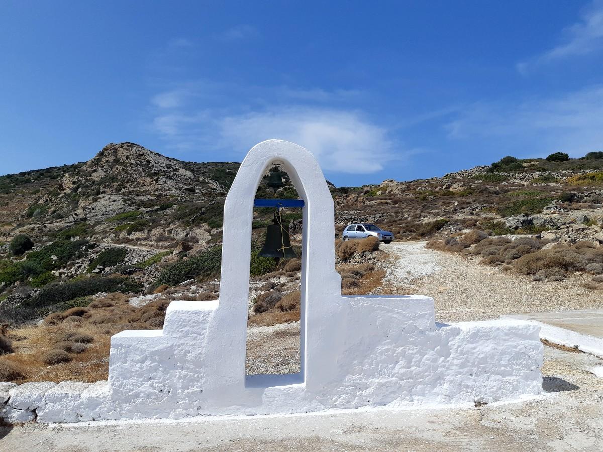 A gate of a church in Kimolos