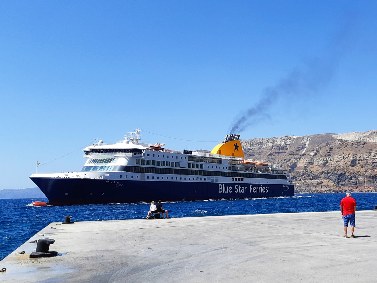Use the ferries to go island hopping around the Greek islands