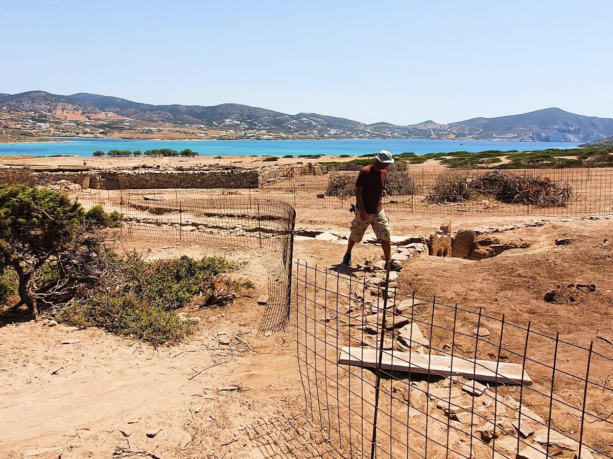 Walking among the ruins of ancient Despotiko