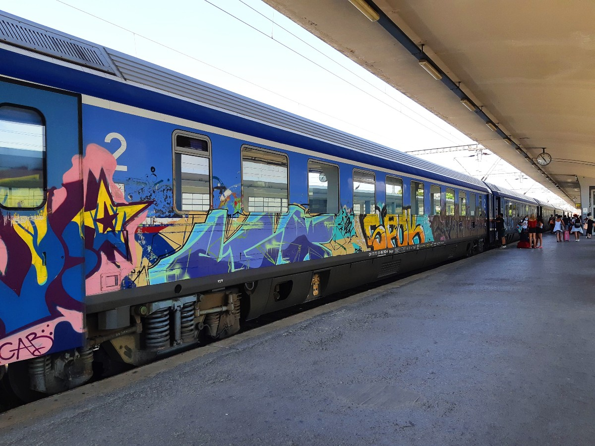 Train from Athens to Thessaloniki